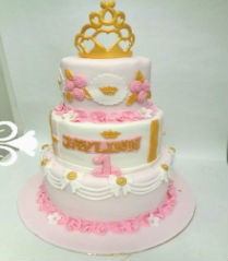 prinsesselijke roze,wit en goud taart/princess style pink,white and gold cake